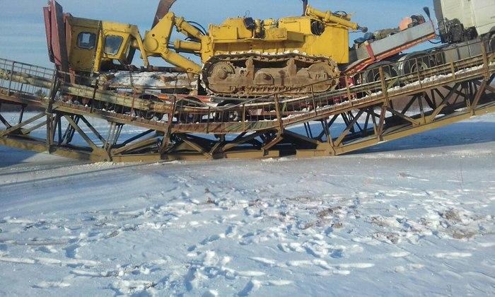 Мост рухнул под тяжестью большегруза-1