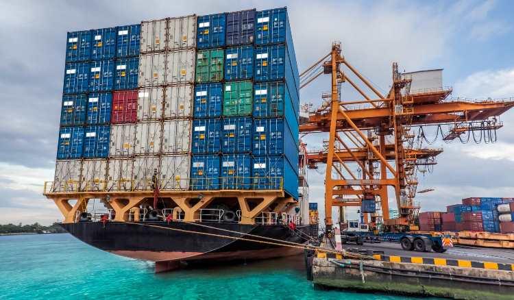 В первой половине 2018 года экспорт товаров в России вырос на 30% с помощью… санкций
