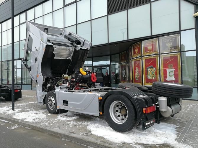 «Фотон Мотор» представила новый тягач Foton Auman EST