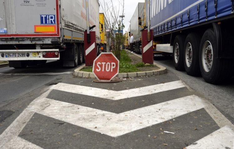Россия и Казахстан запустят проект по отслеживанию грузов с помощью магнитных пломб