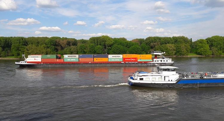 Россия может потерять до 90% грузовых судов