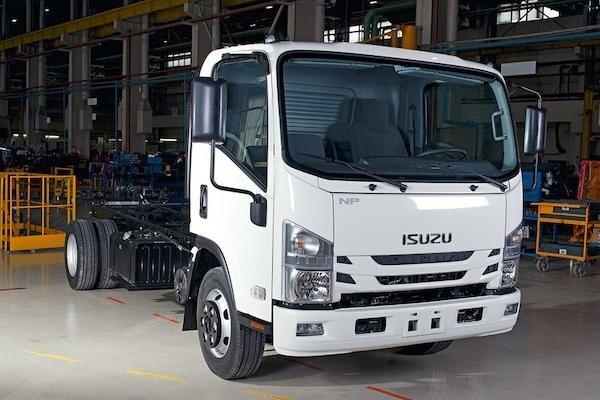 Малотоннажные Isuzu c роботизированной коробкой передач начали продавать в России